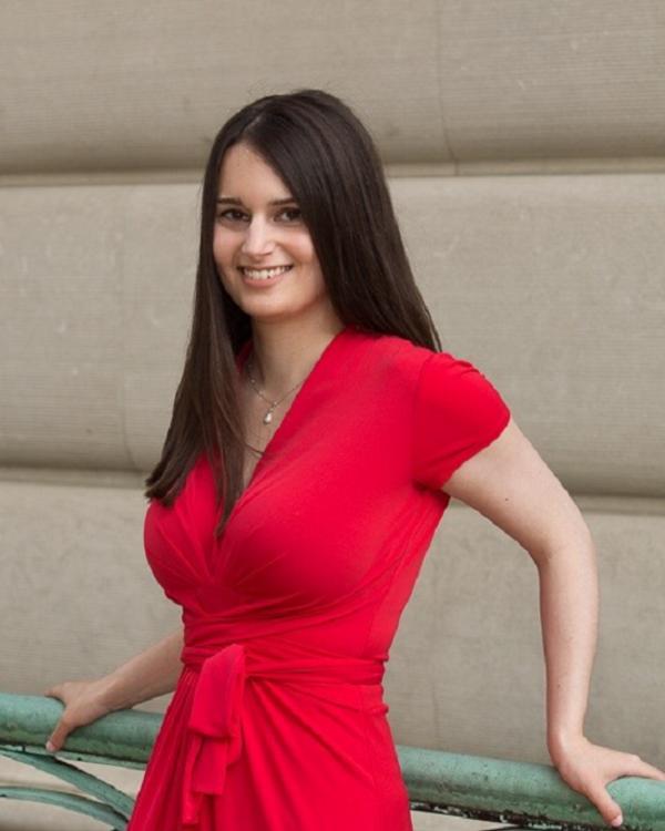 Laura Samotin