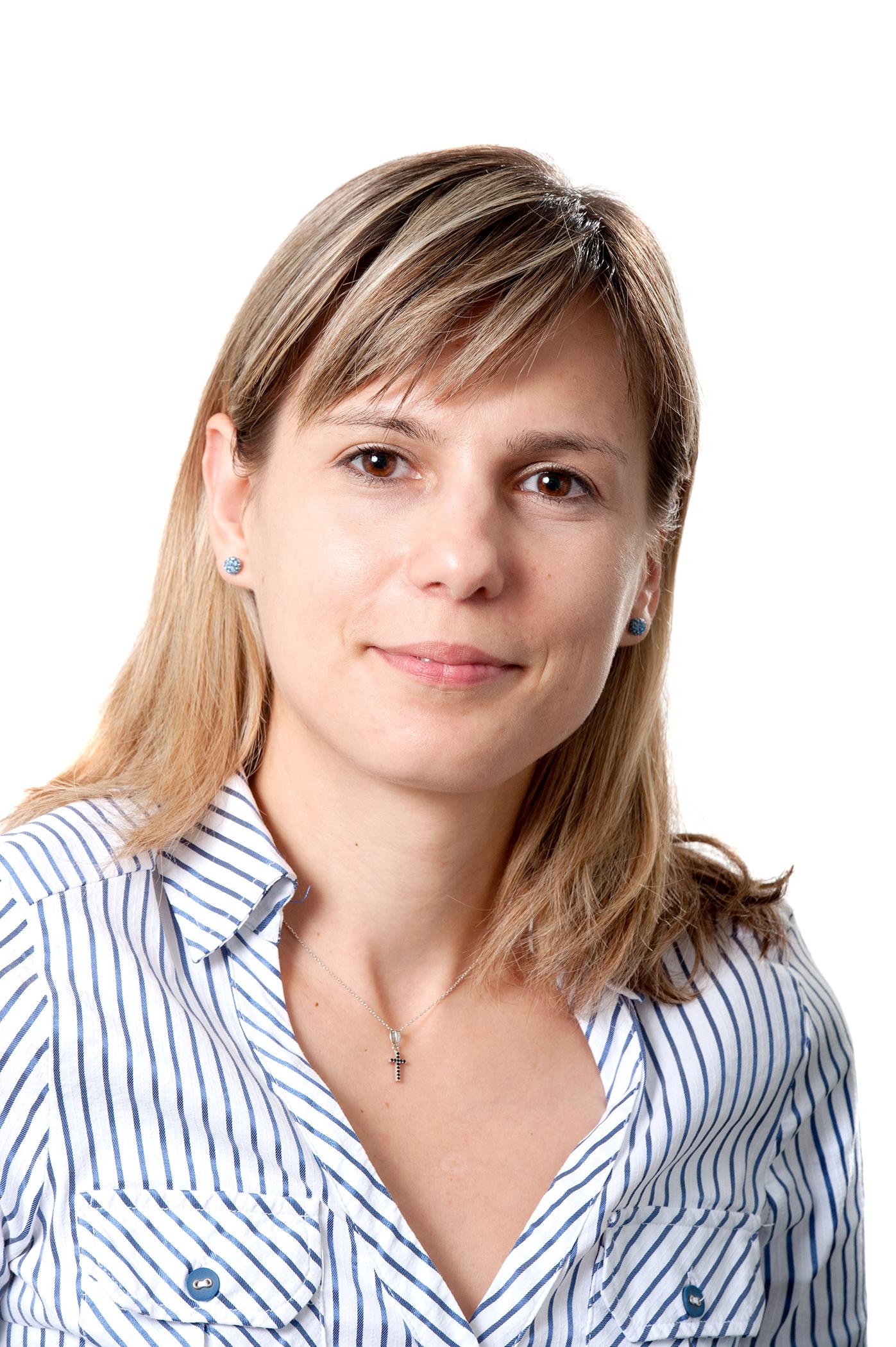 Elena Demeter