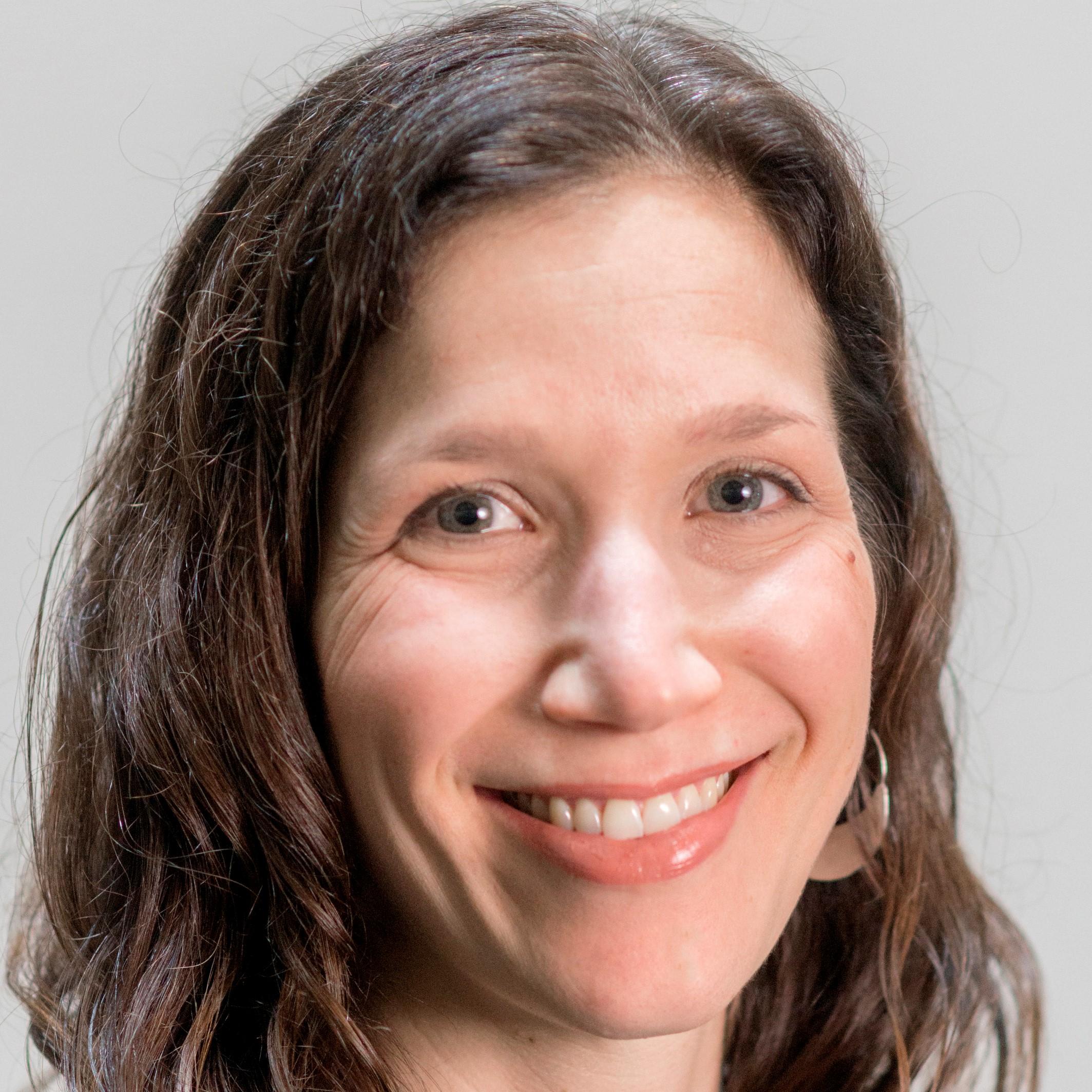 Jenna Slotin (Moderator/ Modératrice)