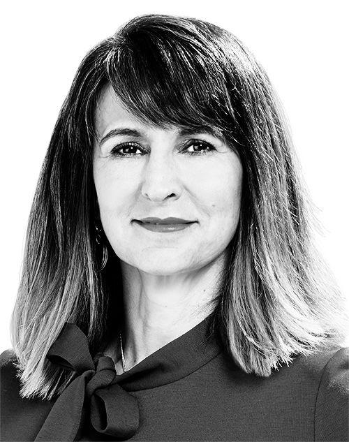 Dr. Gabriela Bunea