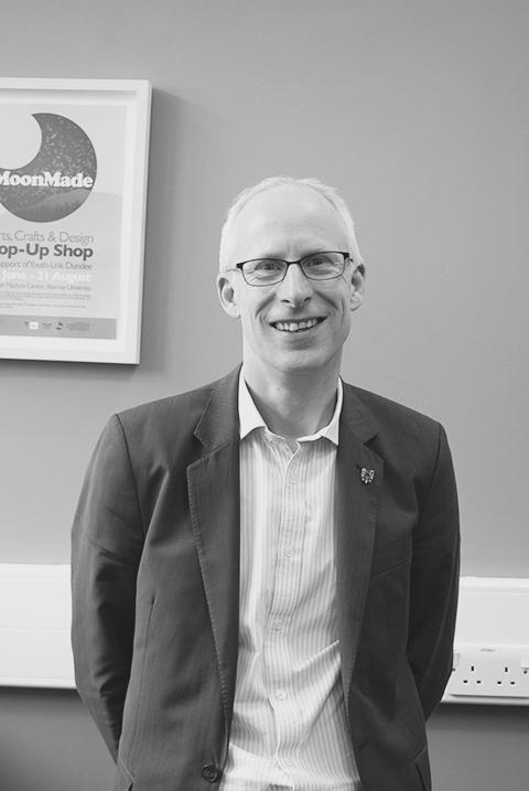 Dr. Alastair Robertson