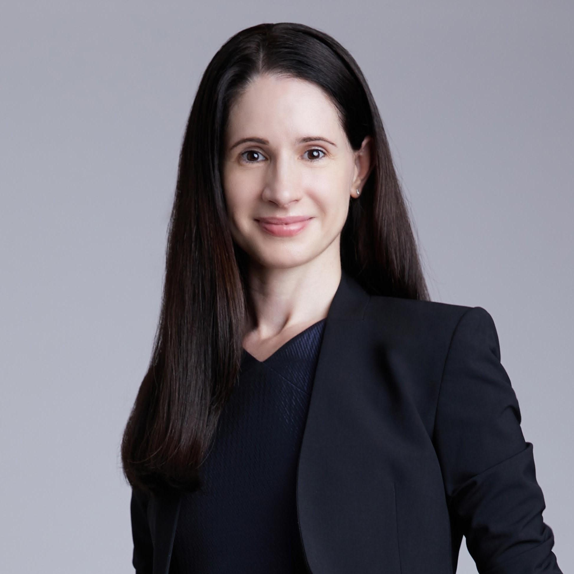 Karina Dobarro