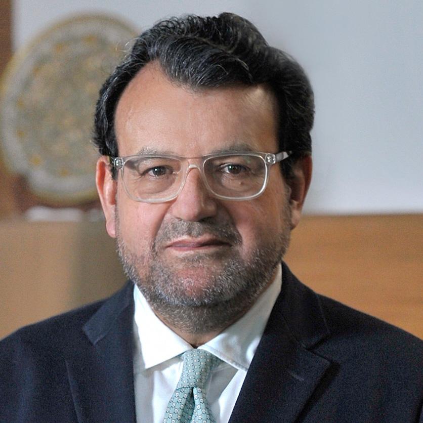 Dr. Armando Zamora